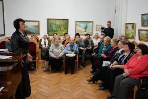 Співачка М. Червоній у  пенсіонерів Поділля